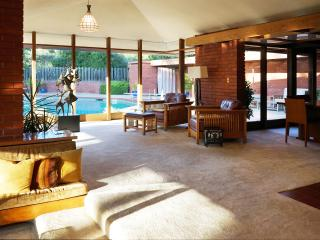 Live in a Work of Art; A. Green of Frank L Wright - Los Altos Hills vacation rentals