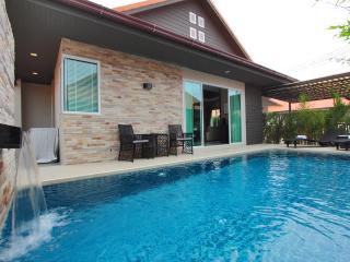 The Ville Grande Pool Villa - 3Bedrooms (A26) - Pattaya vacation rentals