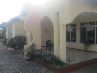 3 bedroom villa with pool Accra Serviced Villas - Accra vacation rentals