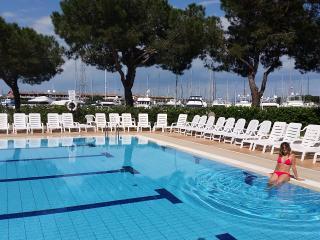 neues Appartamento Bello - Aprilia Marittima - Aprilia Marittima vacation rentals