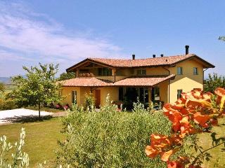 Nido della Melia - Center Italy - Panorama Country - Perugia vacation rentals