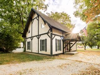 Countryside Chalet Minutes to St. Louis - Saint Louis vacation rentals