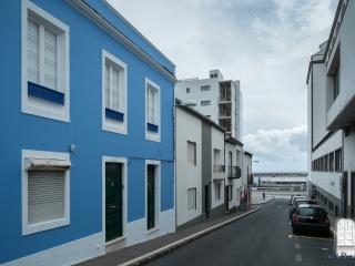 BLUE SWEET HOUSE  aluga-se para férias - Ponta Delgada vacation rentals