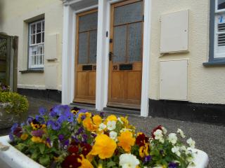 No.12 Broad St, Padstow Centre, Maypole Cottages - Padstow vacation rentals