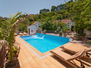 Holiday cottage with shared pool in Moya GC0003 - Villa de Moya vacation rentals