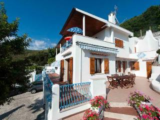 Adorable Villa with A/C and Garage - Sperlonga vacation rentals