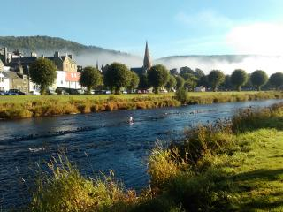 Cosy studio flat by the River Tweed, Peebles. - Peebles vacation rentals