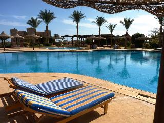 Perfect 2 bedroom Makadi Bay Apartment with A/C - Makadi Bay vacation rentals