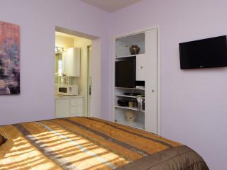Cozy, Clean Miami Studio 5 Miles from the Airport - Coconut Grove vacation rentals