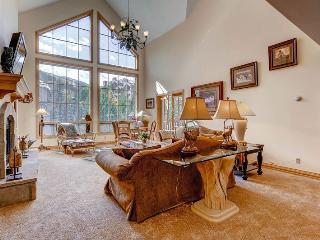 Bright 4 bedroom Apartment in Beaver Creek - Beaver Creek vacation rentals