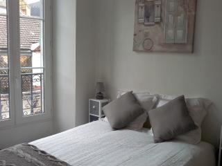 Bright Lourdes Studio rental with Internet Access - Lourdes vacation rentals