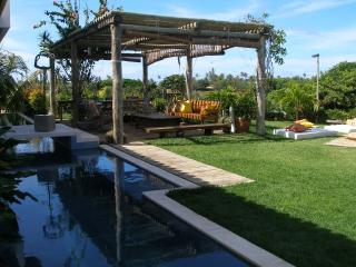 VILLA 24H SECURITY-POOL-PRIVATE BEACH-SPORTS - Camacari vacation rentals