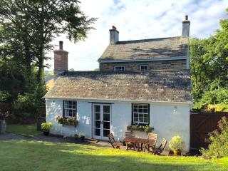Trevenna Cottage at Hill House, cosy, romantic, secluded and picturesque! - Duloe vacation rentals