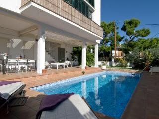 Villa with Private Pool,Garden & 9min to the beach - Sitges vacation rentals