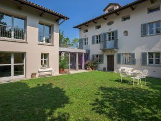Villa Zillio in the Unesco Monferrato Hills Unesco - Canelli vacation rentals