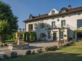 Villa San Marzano in Unesco Vineyards - San Marzano Oliveto vacation rentals