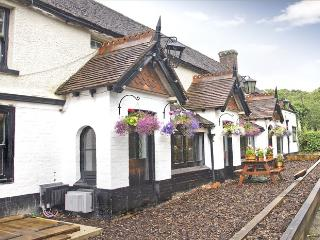 May Garland Inn - £15 off per night NOW upto 5 rms - Heathfield vacation rentals