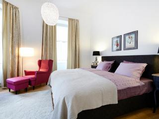 ALL INCLUSIVE Newly Refurbished 1 Bed Apt. ANTONI - Vienna vacation rentals