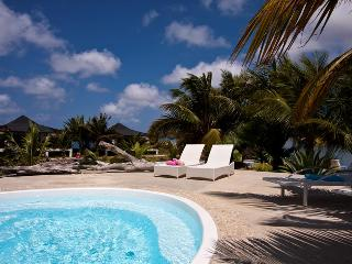 Ocean Breeze resort - Ground floor waterfront apartment Tortuga - Kralendijk vacation rentals