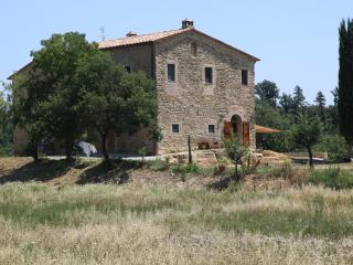 Gorgeous Farmhouse Barn with Internet Access and Linens Provided - Citta di Castello vacation rentals