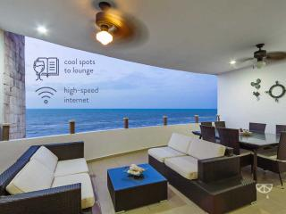 Modern beachfront condo with million-dollar view. - Telchac Puerto vacation rentals