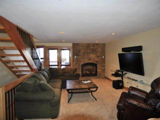Reasonably Priced  3 Bedroom  - 52 Clubhouse #50 - Breckenridge vacation rentals