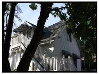 Plymale Cottage, Bed & Biscotti - Jacksonville vacation rentals
