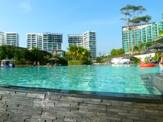 Luxury 2 bedroom 7th floor beachfront apartment. - Rayong vacation rentals