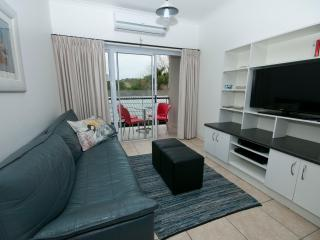 Cozy 2 bedroom Apartment in Knysna with Internet Access - Knysna vacation rentals