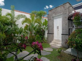 Superb Value, 5 Bdr Villa, Great Location! - Seminyak vacation rentals