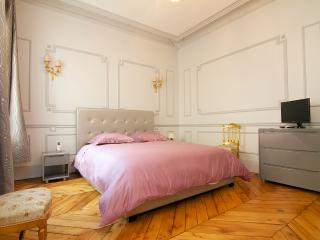 175m2 fully renewed Opera/Champs Elysées/Grands Magasins - Paris vacation rentals