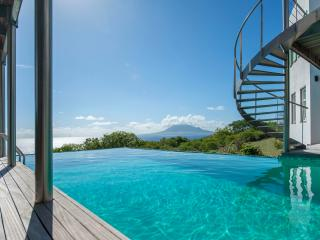 Knippenga Estate Villa 'The Smiling Turtle' - Saint Eustatius vacation rentals
