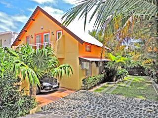 Nice 4 bedroom Villa in Blue Bay - Blue Bay vacation rentals
