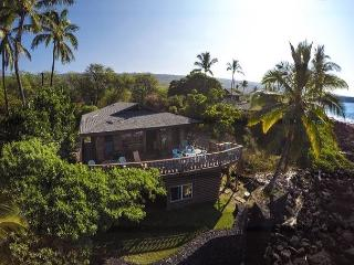 Oceanfront Vintage Hawaiian Island Home, Spectacular Ocean and Sunset Views - Kailua-Kona vacation rentals