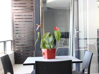 905 The Decks on Long St Luxury 2 Bed  Apartment - Cape Town vacation rentals