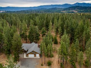 3-for-4 Jan Special, Secluded Rambler Near Suncadia |Slps8| Hot Tub,Game Room - Cle Elum vacation rentals