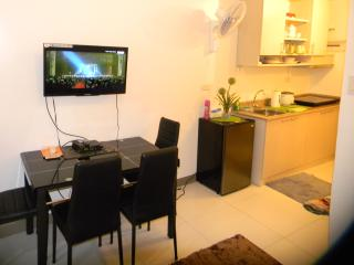 SM Chateau Elysee comfortable 1 Bedroom Apt Enjoy! - Paranaque vacation rentals