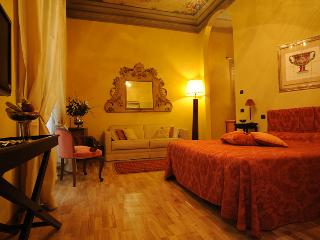 Residenza D'Epoca Palazzo Galletti ELIOS - Florence vacation rentals