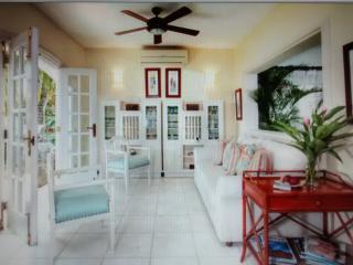 La Marina Golf and Beach Villa! Now with jacuzzi! - La Romana vacation rentals