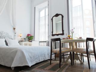 Buenos Aires B&B Room with Bathroom - Las Palmas de Gran Canaria vacation rentals