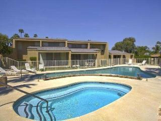 ZEN POOL VILLA - IRONWOOD CC-STEPS to JACUZZI/POOL - Palm Desert vacation rentals