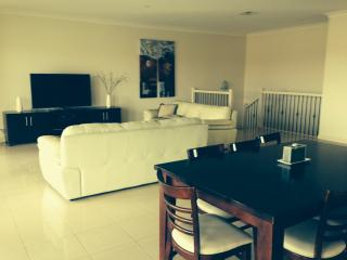 Stately Moorings Luxury holiday home, 6 Qu bed - Wallaroo vacation rentals