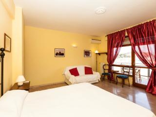 Comfort Rome Vaticano 2 - Facing the Dome - Rome vacation rentals