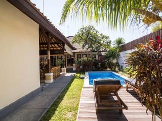 Sandalwood Deluxe Villa ( 4BR ) Seminyak - Kerobokan vacation rentals