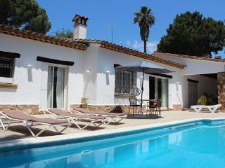 Villa Bona Vista, 8/10 people with private pool - Santa Cristina d'Aro vacation rentals