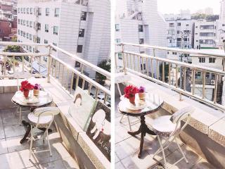 Terrace+Myeongdong+3Queen beds+1min metro - Seoul vacation rentals