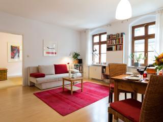 Ferien Apartment HEINRICH mit Wohn-& Schlafzimmer - Dresden vacation rentals
