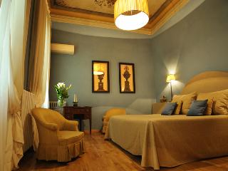 Residenza D'Epoca Palazzo Galletti SELENE - Florence vacation rentals