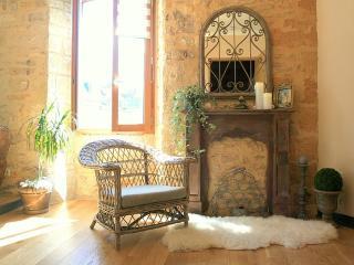 Appartement de charme de l'endrevie EOL - Sarlat-la-Canéda vacation rentals