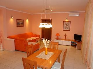 1 bedroom Apartment with Internet Access in Selce - Selce vacation rentals